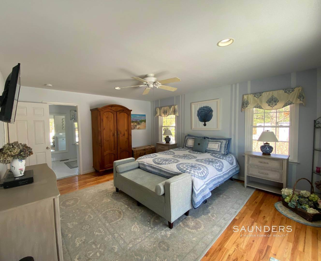 12. Single Family Homes at Beautiful And Private In East Hampton East Hampton, East Hampton Town, NY 11937