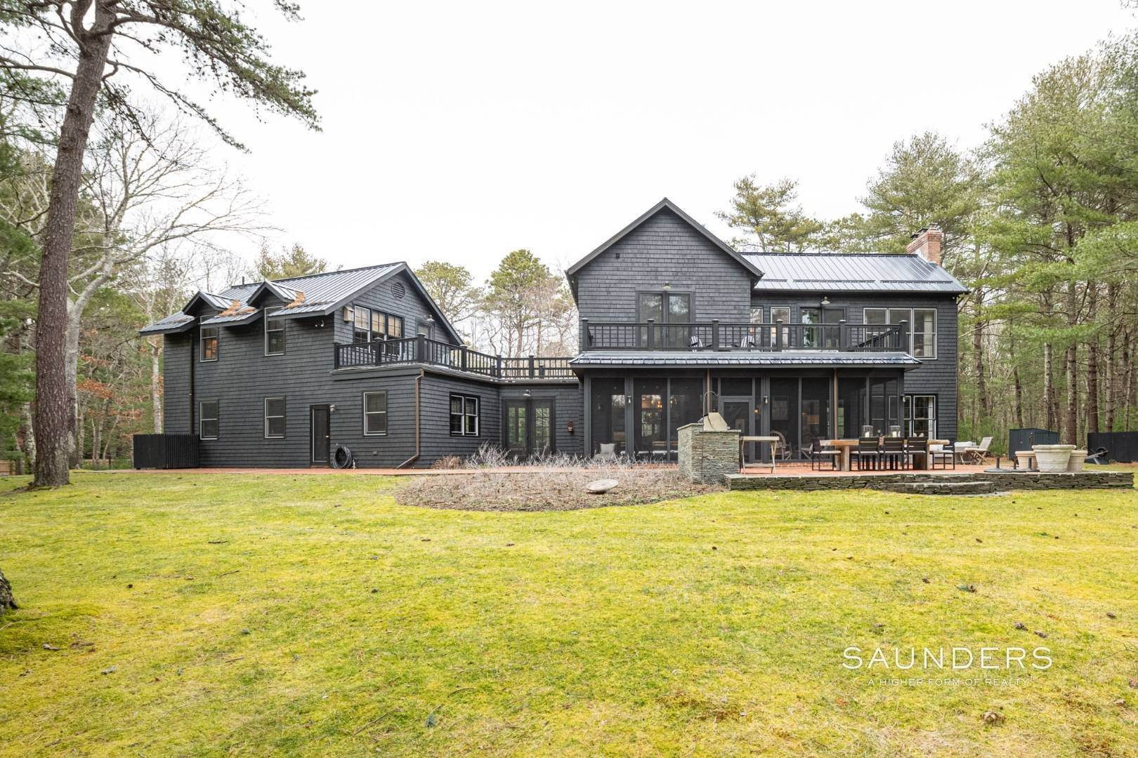 21. Single Family Homes for Sale at Retreat On Larkin Pond 132 Swamp Road, East Hampton, East Hampton Town, NY 11937