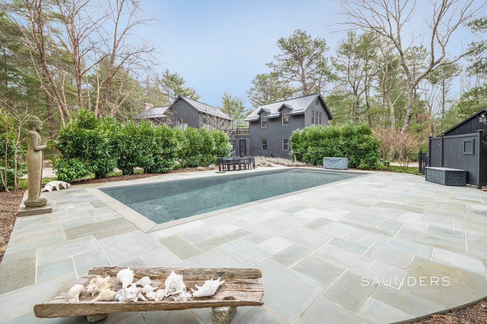 24. Single Family Homes at Retreat With Tennis On Larkin Pond 132 Swamp Road, East Hampton, East Hampton Town, NY 11937