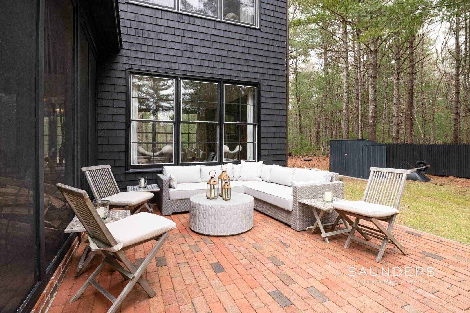 23. Single Family Homes at Retreat With Tennis On Larkin Pond 132 Swamp Road, East Hampton, East Hampton Town, NY 11937