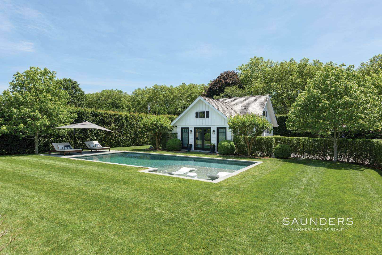 25. Single Family Homes at Village Perfection 63 Meadow Way, East Hampton, East Hampton Town, NY 11937