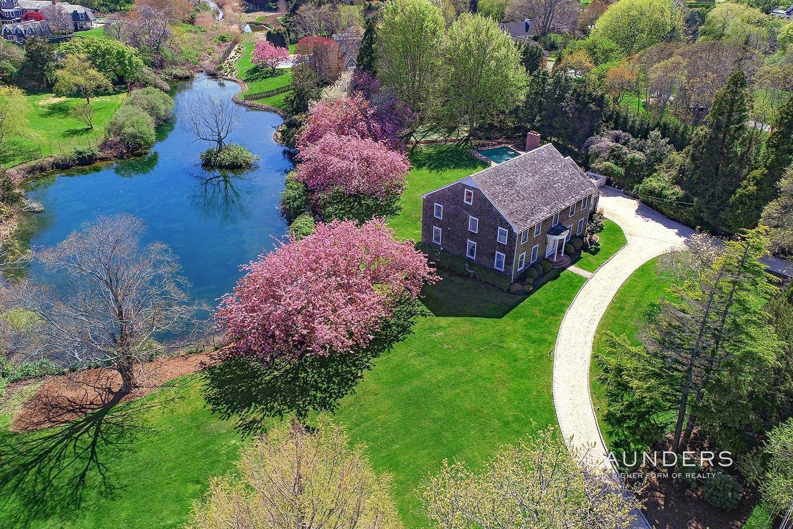 14. Single Family Homes for Sale at Waterfront Home In Southampton Village Estate Section 370 Great Plains Road, Southampton, Southampton Town, NY 11968