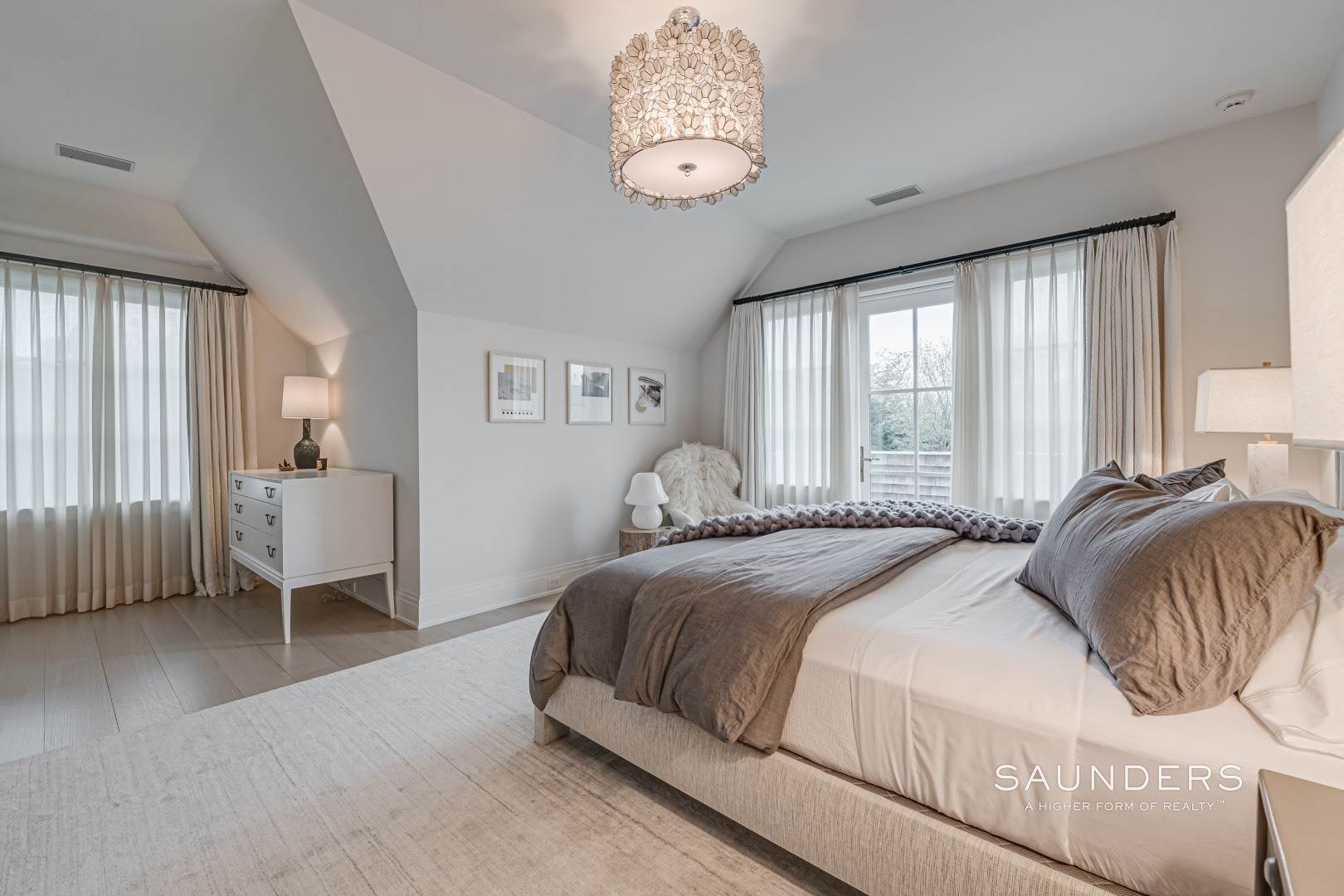19. Single Family Homes at Dream Come True Rental In Sagaponack 216 Parsonage Lane, Sagaponack Village, Southampton Town, NY 11962