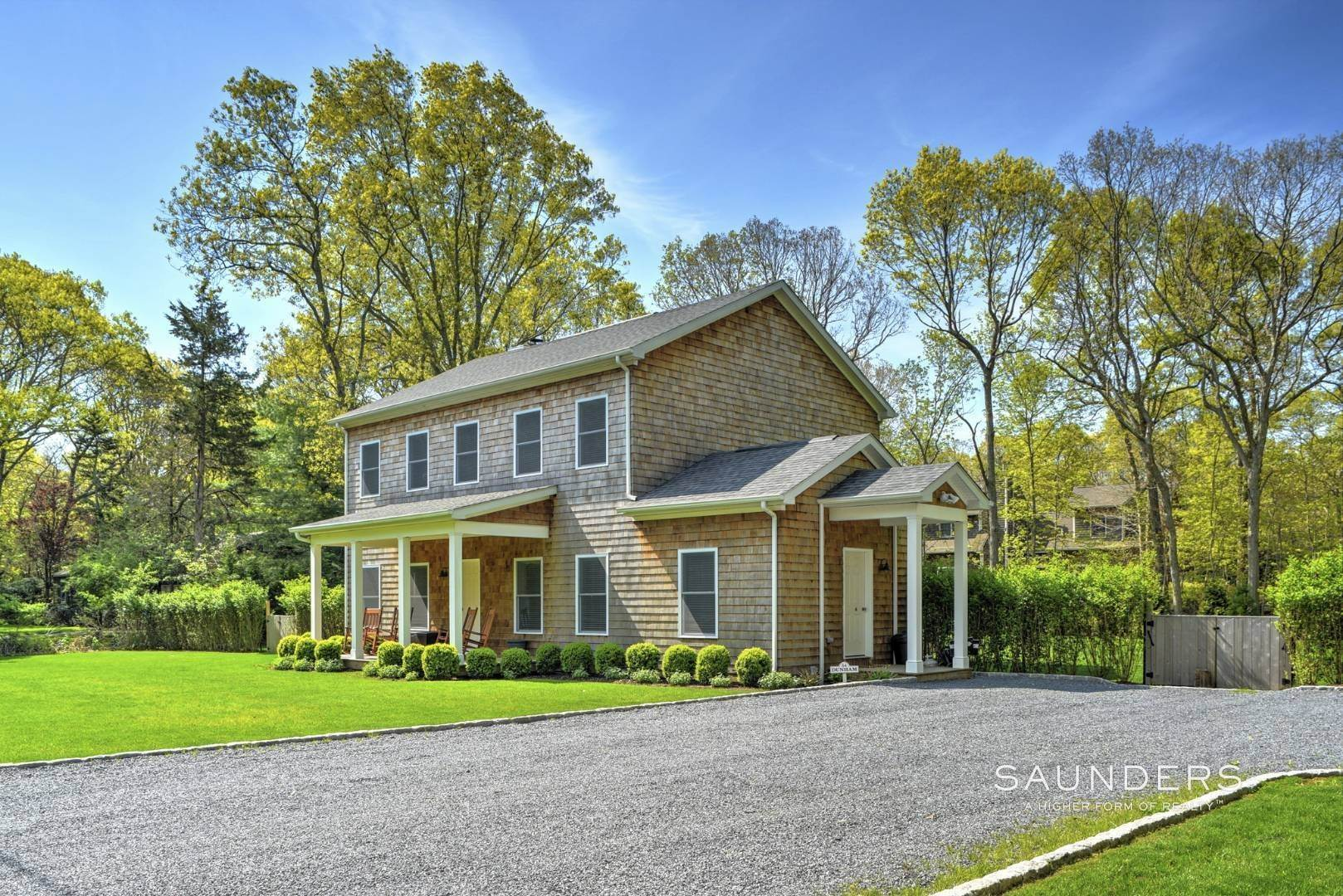 16. Single Family Homes at Beautiful East Hampton Getaway East Hampton, East Hampton Town, NY 11937