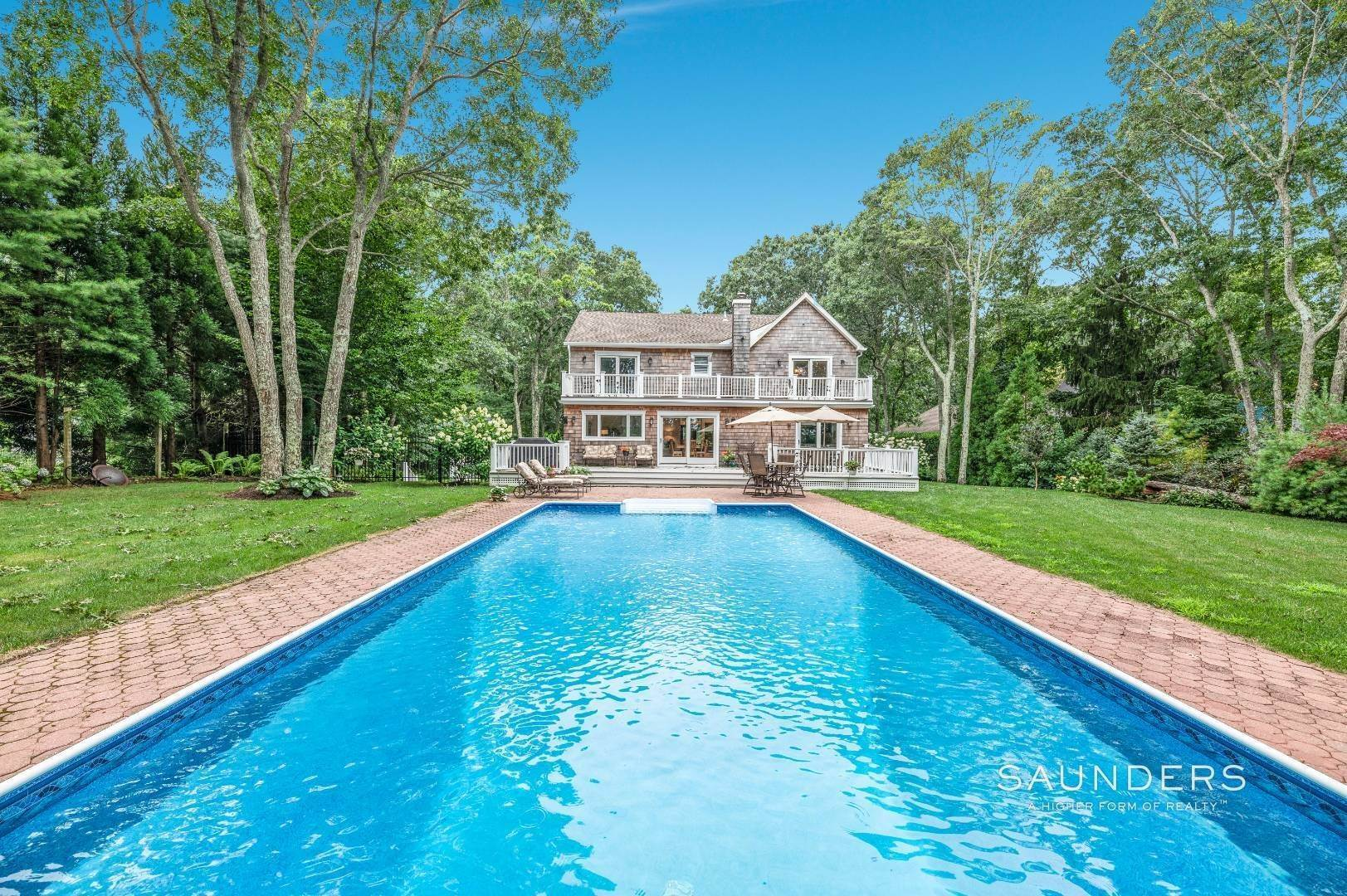 Single Family Homes for Sale at Light-Filled Renovated Postmodern Near East Hampton Village 8 Anvil Court, East Hampton, East Hampton Town, NY 11937