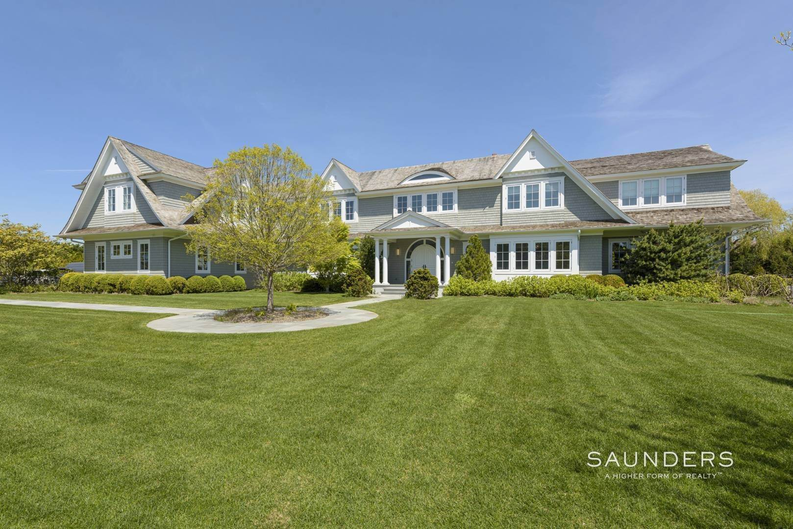 3. Single Family Homes at Bridgehampton South Estate 104 Halsey Lane, Bridgehampton, Southampton Town, NY 11932