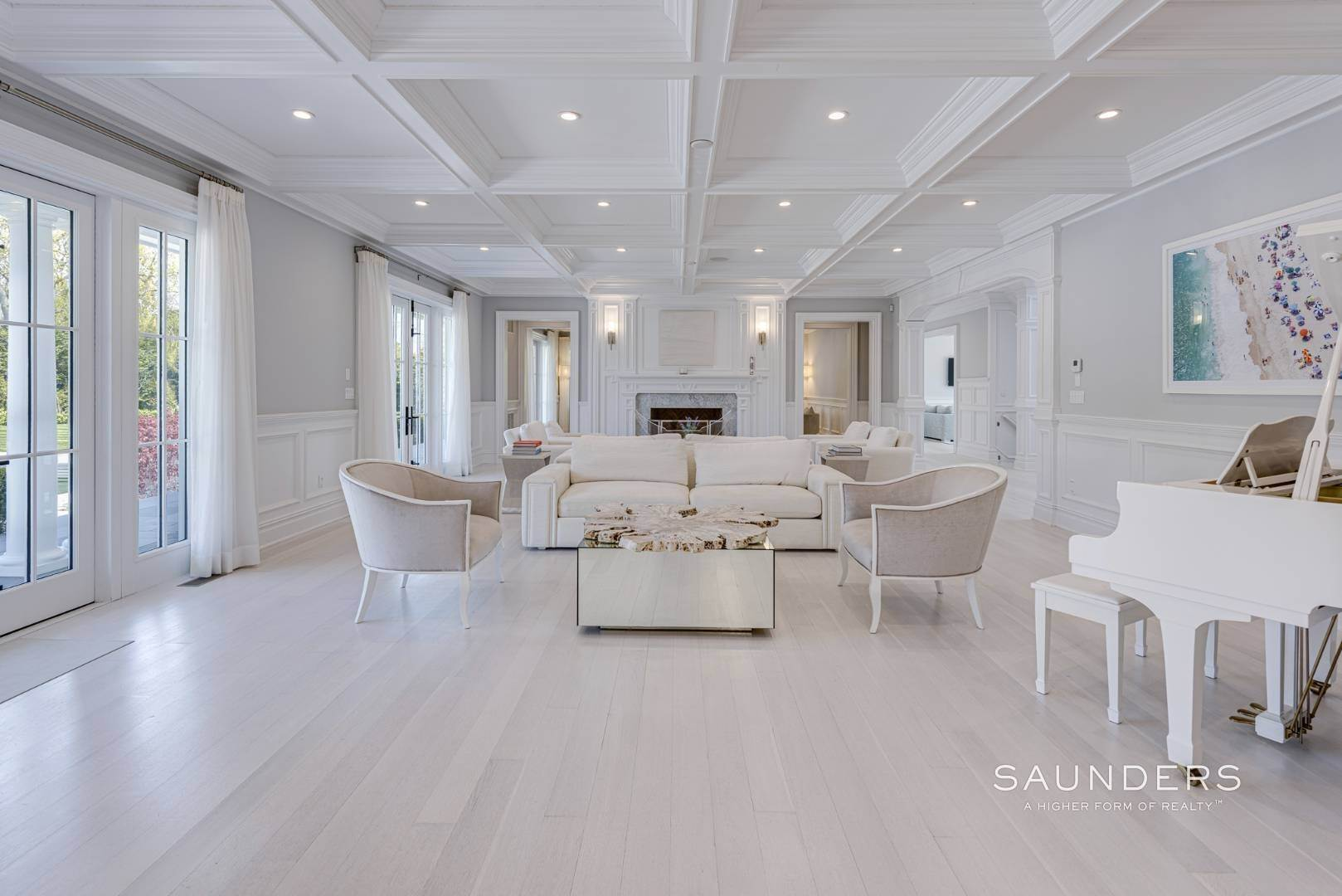 9. Single Family Homes at Bridgehampton South Estate 104 Halsey Lane, Bridgehampton, Southampton Town, NY 11932