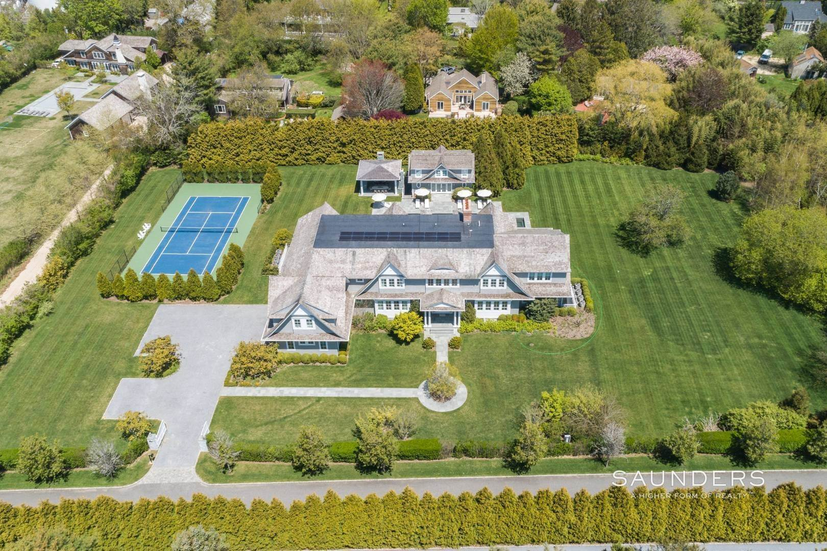 2. Single Family Homes at Bridgehampton South Estate 104 Halsey Lane, Bridgehampton, Southampton Town, NY 11932