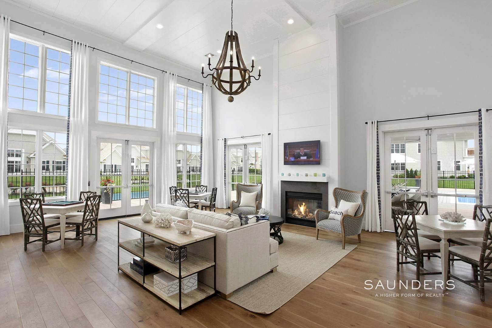 21. Single Family Homes for Sale at Bishops Pond Summer Sojourn Southampton, Southampton Town, NY 11968
