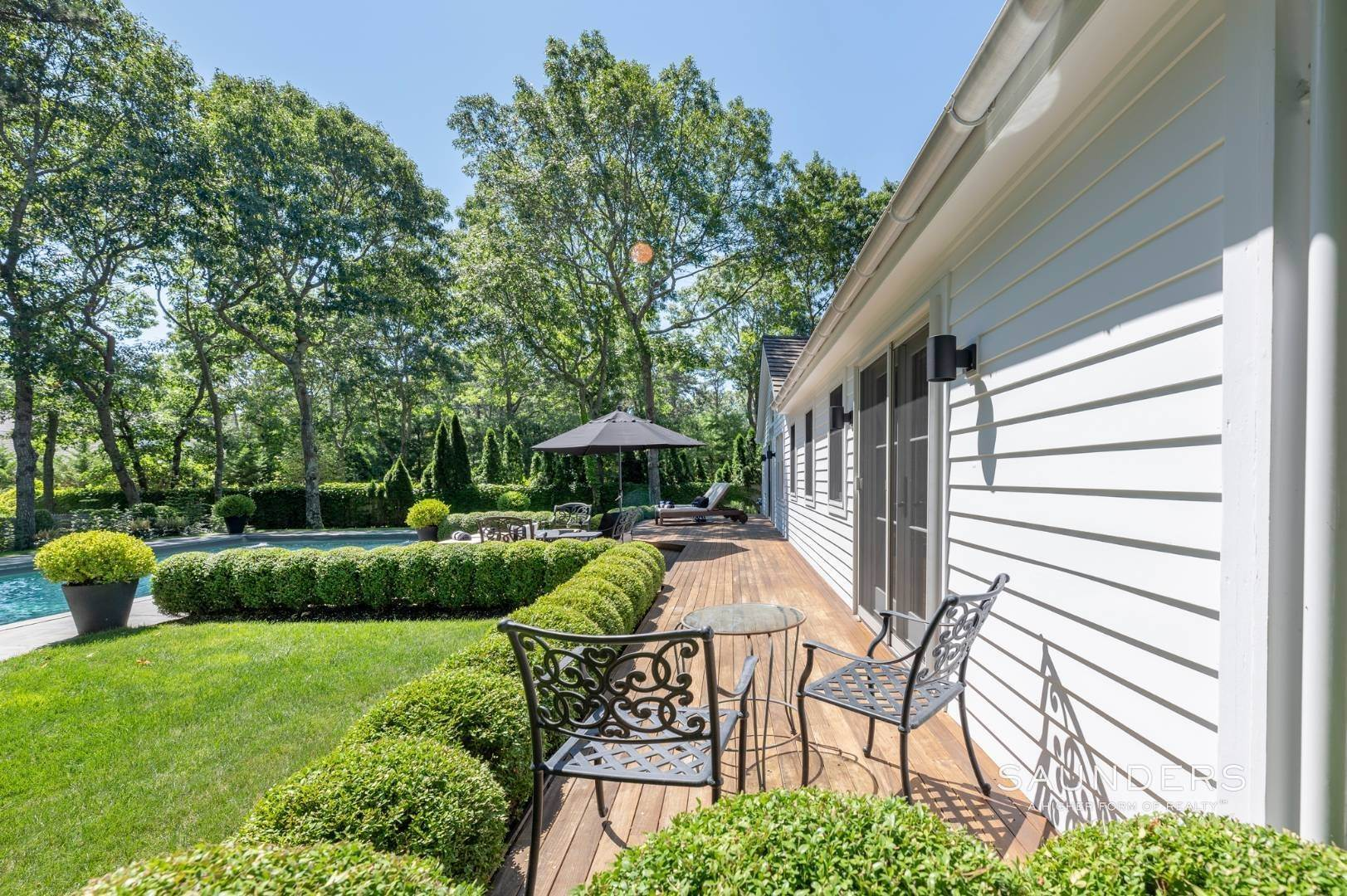 14. Single Family Homes for Sale at Modern Charm In Wainscott 32 East Gate Road, Wainscott, East Hampton Town, NY 11975