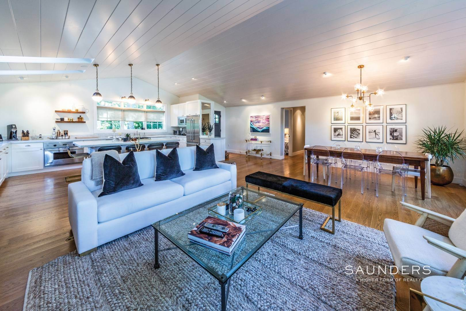 6. Single Family Homes for Sale at Modern Charm In Wainscott 32 East Gate Road, Wainscott, East Hampton Town, NY 11975