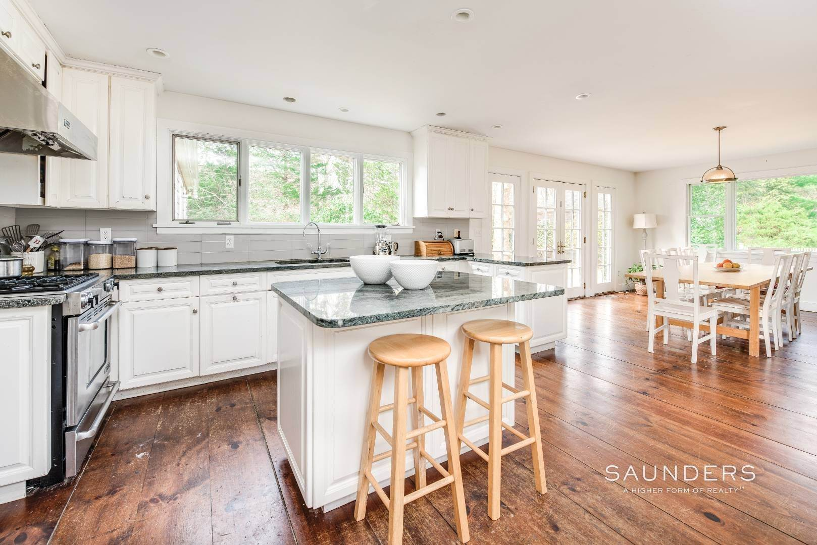 7. Single Family Homes for Sale at Amagansett Charm And Convenience 75 Montauk Highway, Amagansett, East Hampton Town, NY 11930