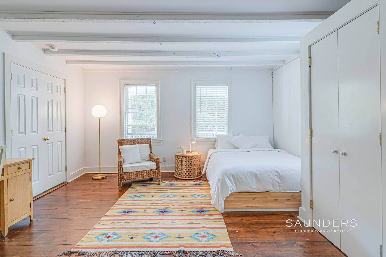 15. Single Family Homes for Sale at Amagansett Charm And Convenience 75 Montauk Highway, Amagansett, East Hampton Town, NY 11930