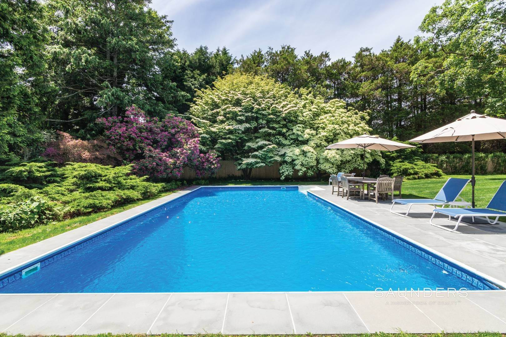 20. Single Family Homes at On A Tree-Lined Street East Hampton, East Hampton Town, NY 11937
