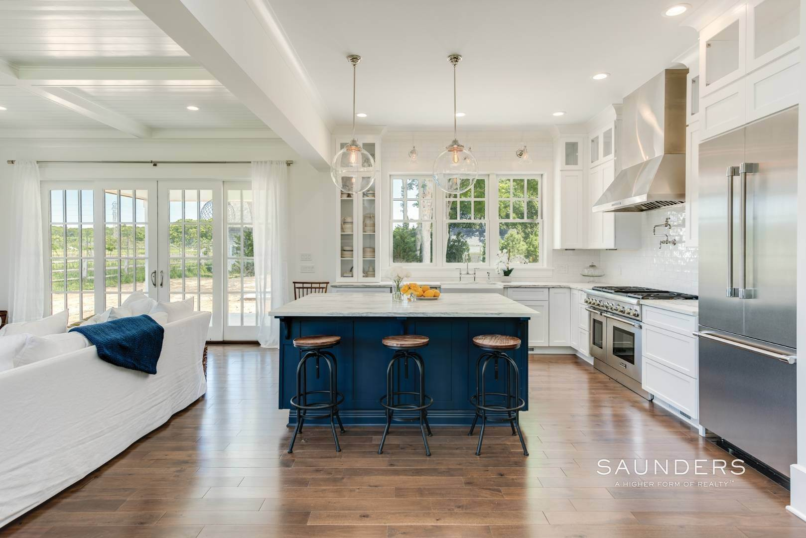 5. Single Family Homes for Sale at Unique In Amagansett - New Construction With A Separate Cottage! 8 Cozzens Lane, Amagansett, East Hampton Town, NY 11930