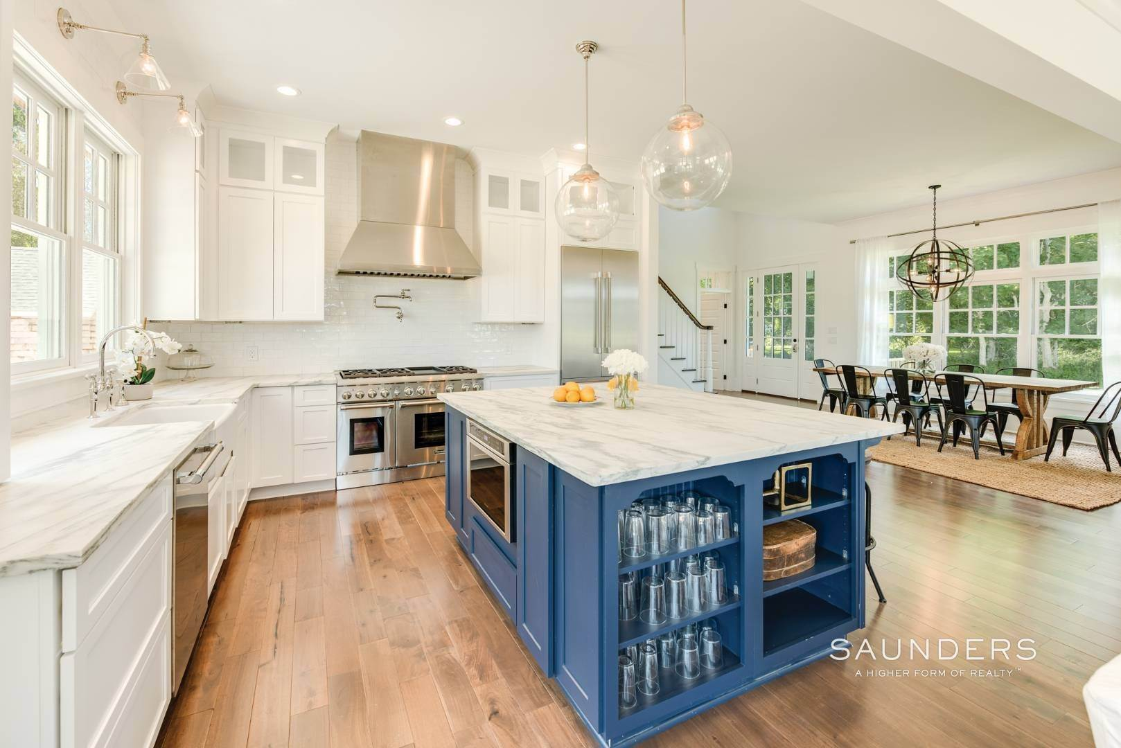6. Single Family Homes for Sale at Unique In Amagansett - New Construction With A Separate Cottage! 8 Cozzens Lane, Amagansett, East Hampton Town, NY 11930