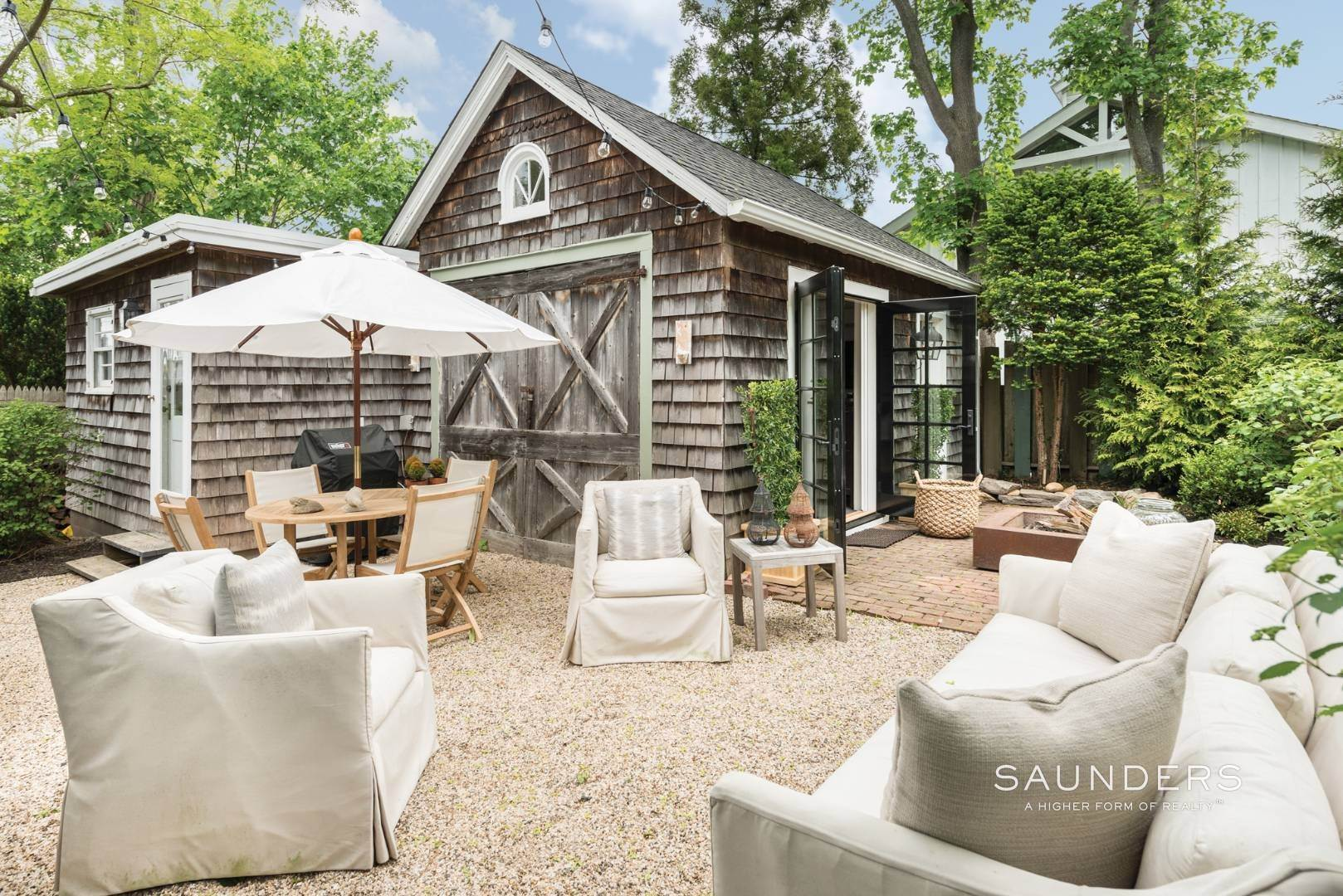 20. Single Family Homes for Sale at Sag Harbor Village Historic Renovation With Pool And Cottage 49 Rysam Street, Sag Harbor, Southampton Town, NY 11963