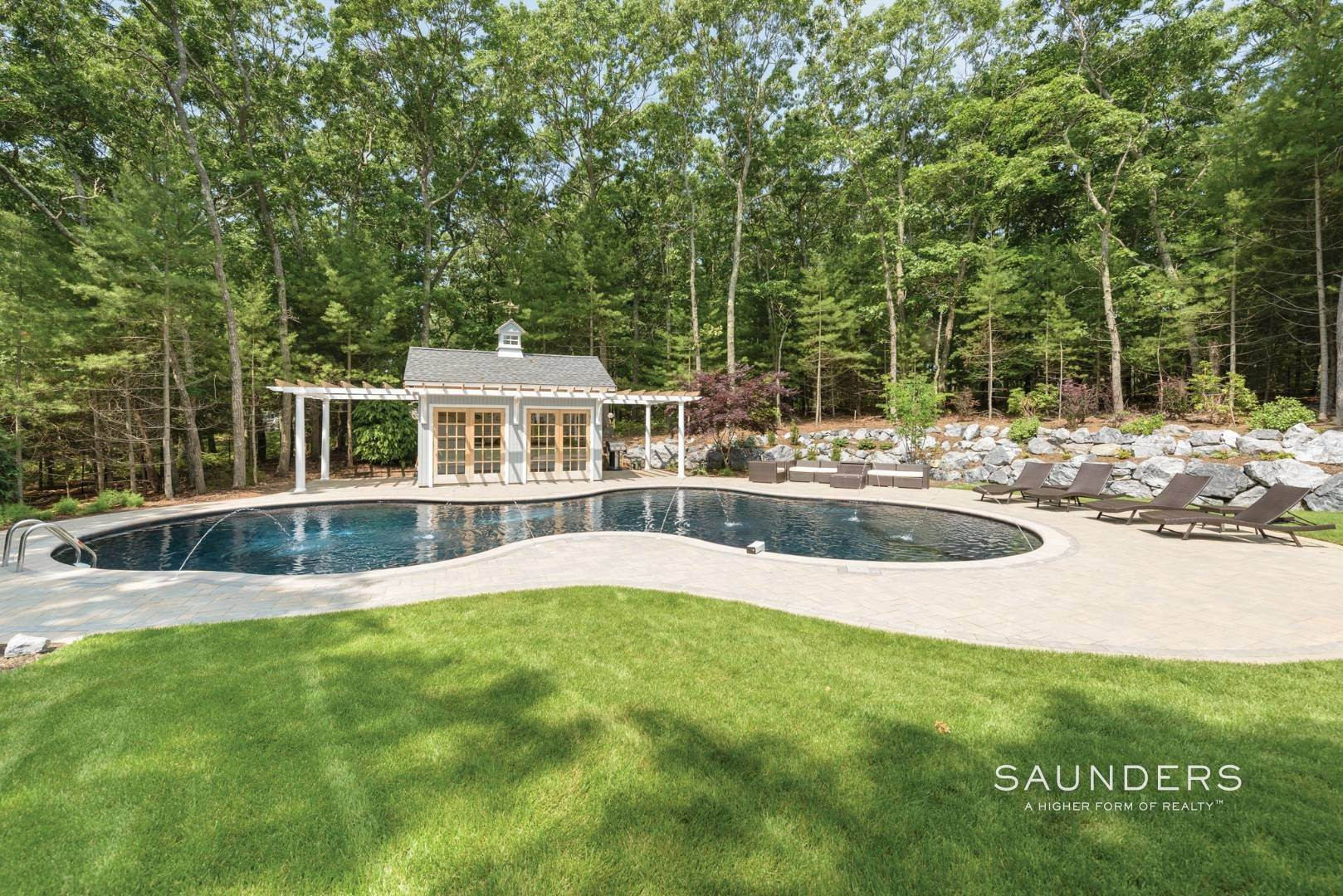 18. Single Family Homes for Sale at Newly Renovated Bright Contemporary Checks All Boxes 60 Old Northwest Road, East Hampton, East Hampton Town, NY 11937