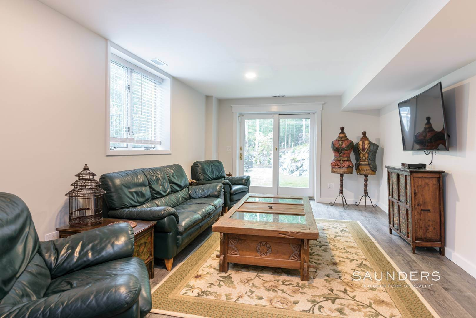 12. Single Family Homes for Sale at Newly Renovated Bright Contemporary Checks All Boxes 60 Old Northwest Road, East Hampton, East Hampton Town, NY 11937