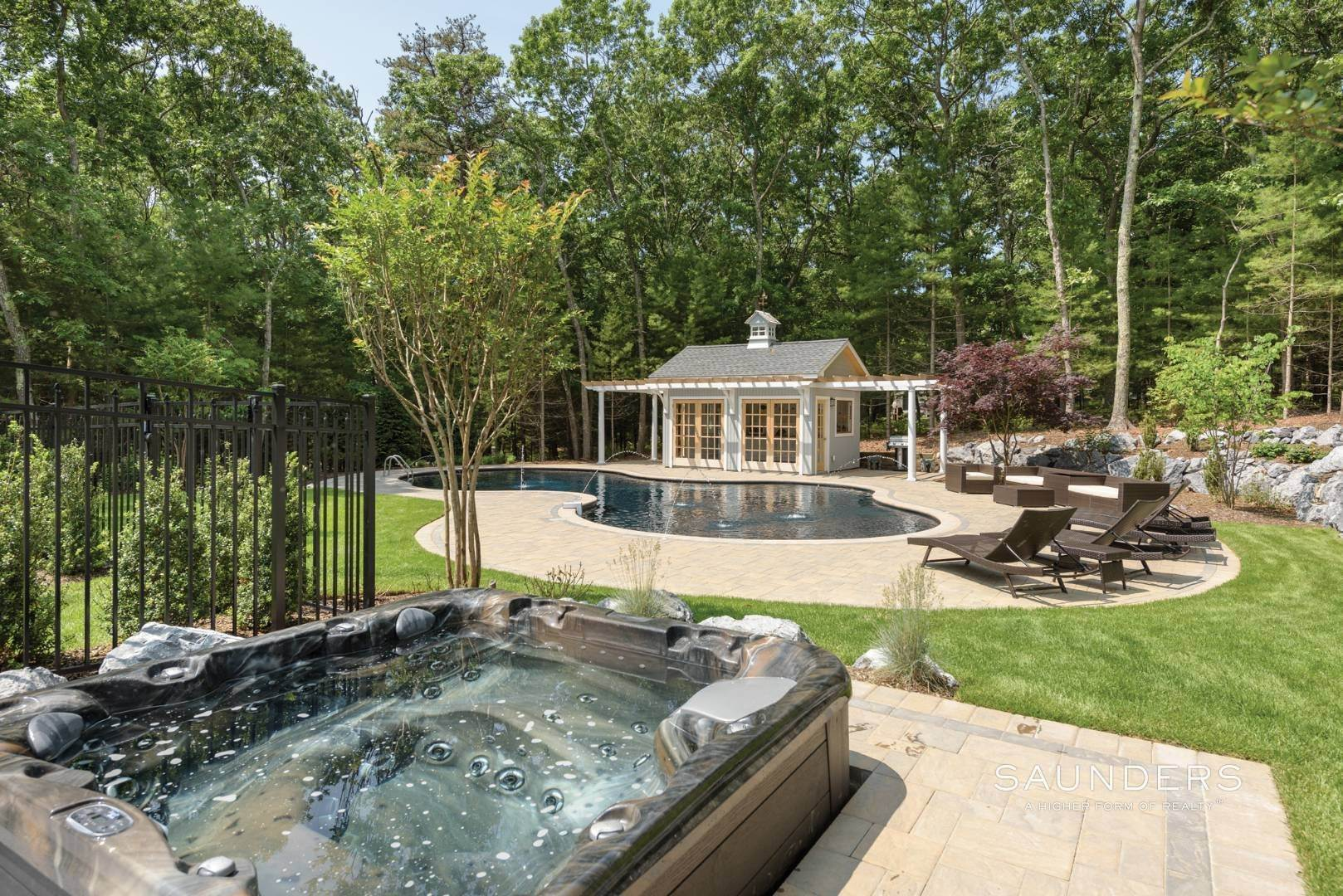 21. Single Family Homes for Sale at Newly Renovated Bright Contemporary Checks All Boxes 60 Old Northwest Road, East Hampton, East Hampton Town, NY 11937