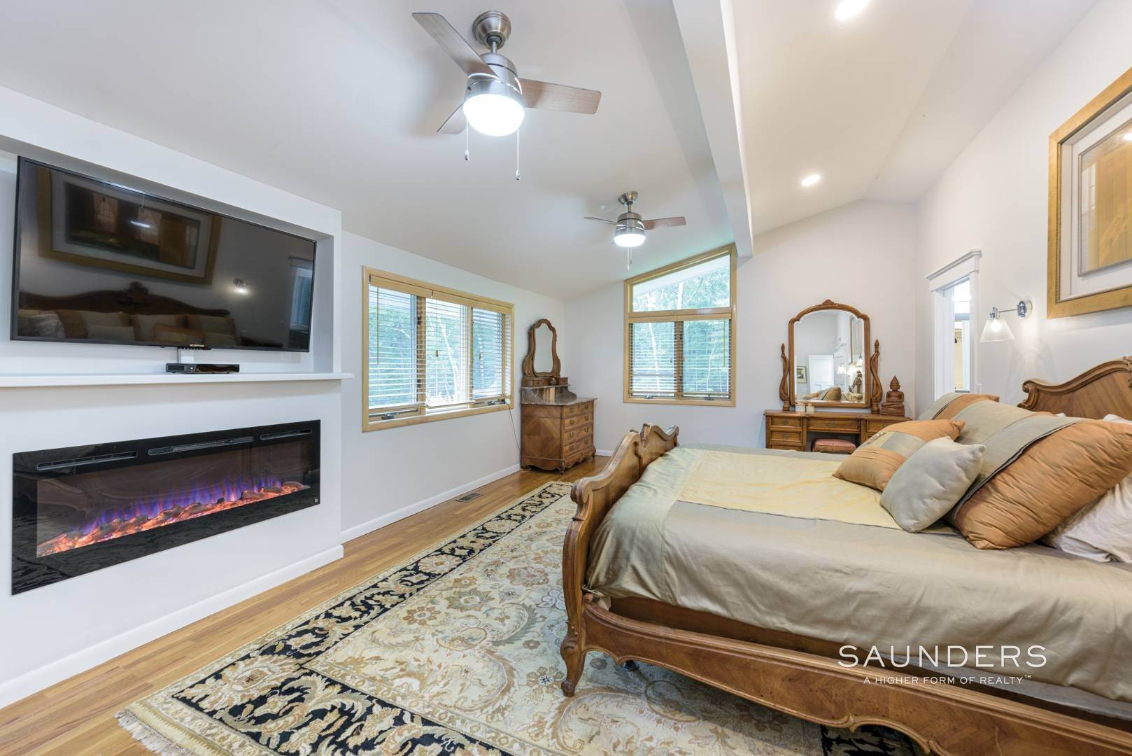 8. Single Family Homes for Sale at Newly Renovated Bright Contemporary Checks All Boxes 60 Old Northwest Road, East Hampton, East Hampton Town, NY 11937
