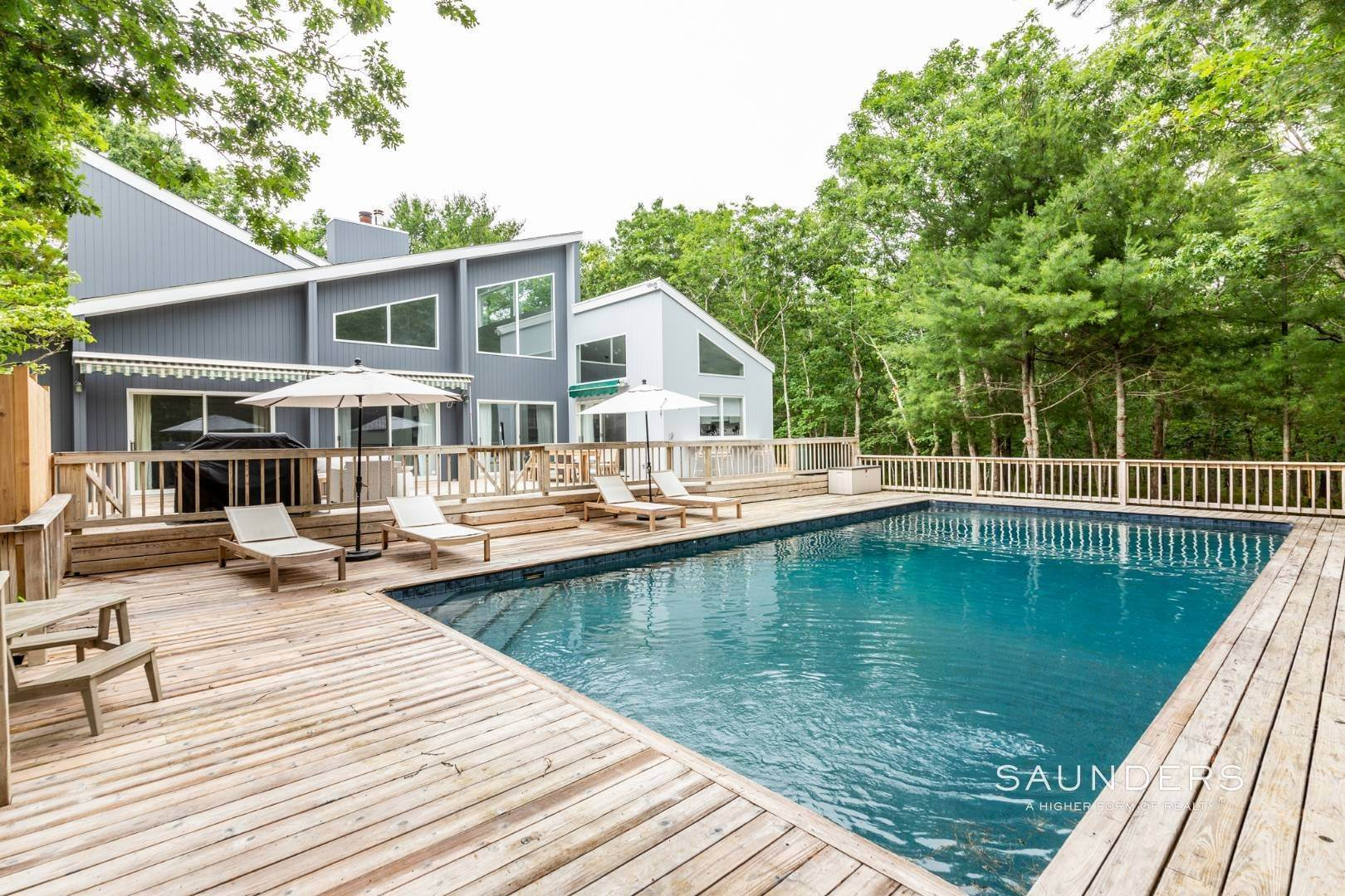 3. Single Family Homes at Private With Pool & Tennis East Hampton, East Hampton Town, NY 11937