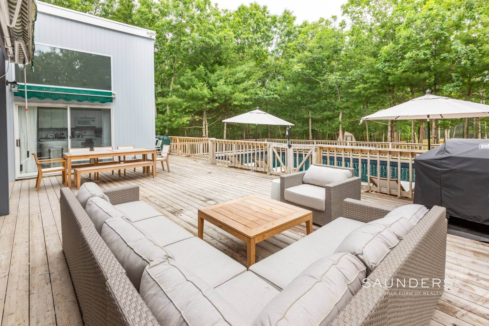 22. Single Family Homes at Private With Pool & Tennis East Hampton, East Hampton Town, NY 11937