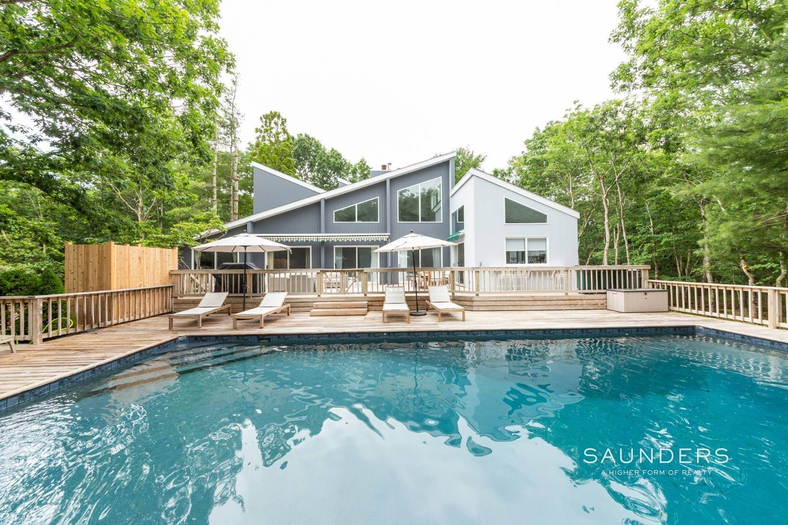 Single Family Homes at Private With Pool & Tennis East Hampton, East Hampton Town, NY 11937