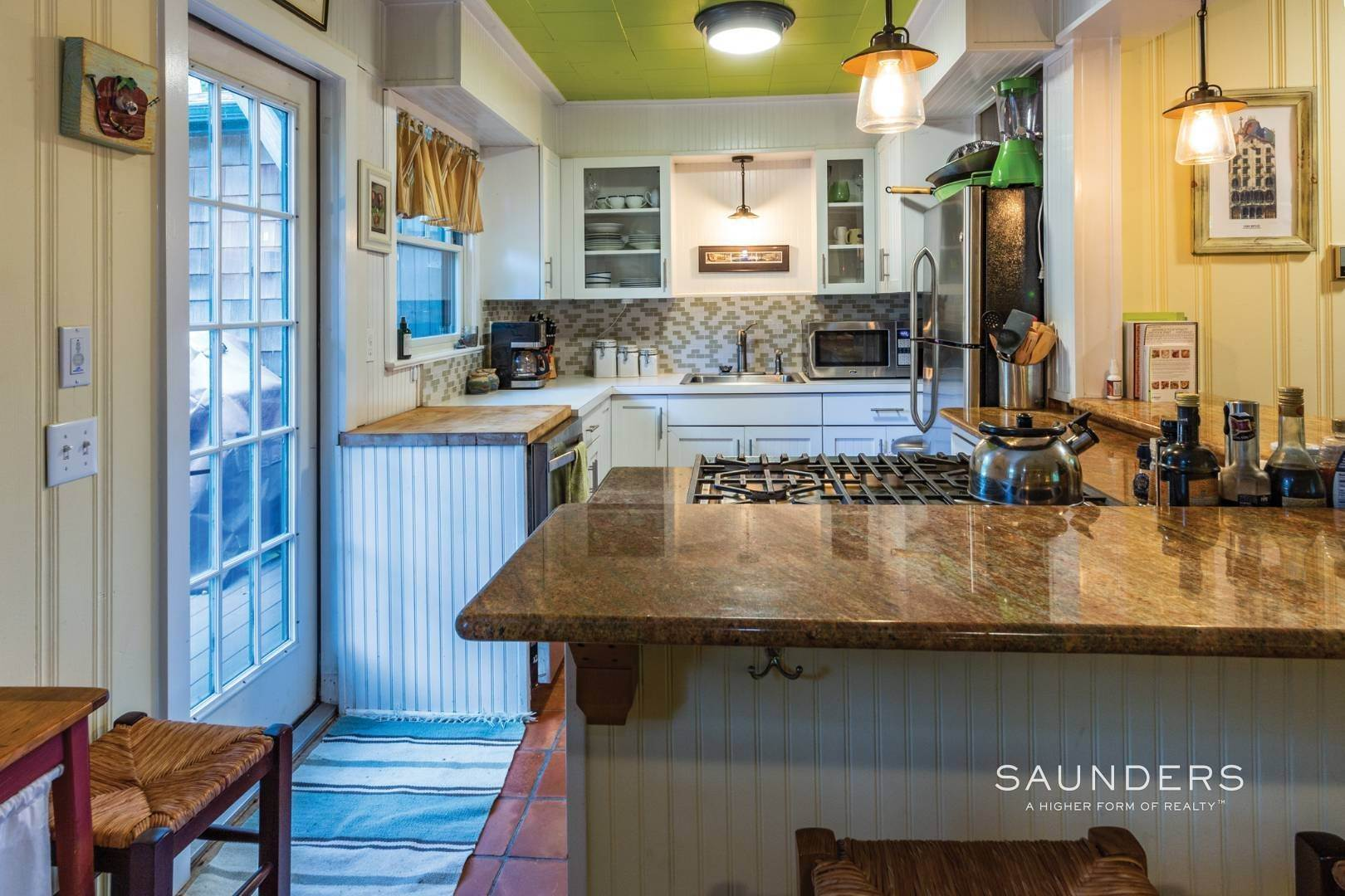 6. Single Family Homes for Sale at Sag Harbor Cottage By The Sea Sag Harbor, Southampton Town, NY 11963