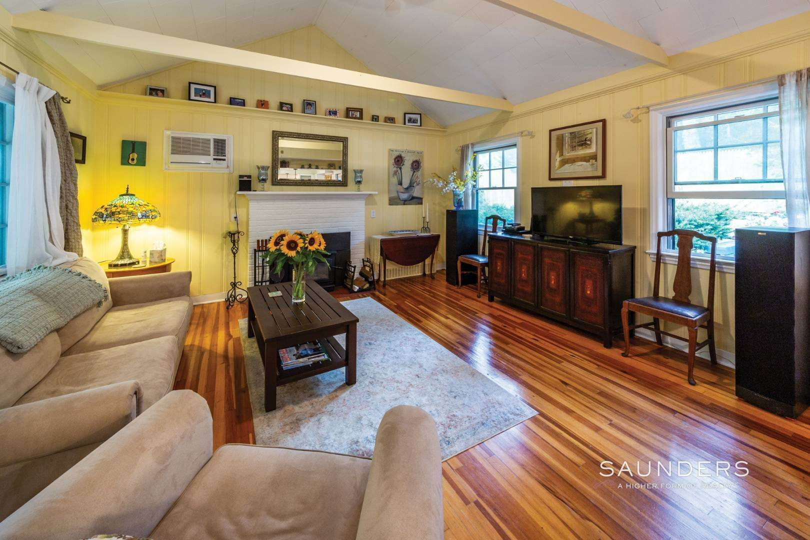 4. Single Family Homes for Sale at Sag Harbor Cottage By The Sea Sag Harbor, Southampton Town, NY 11963