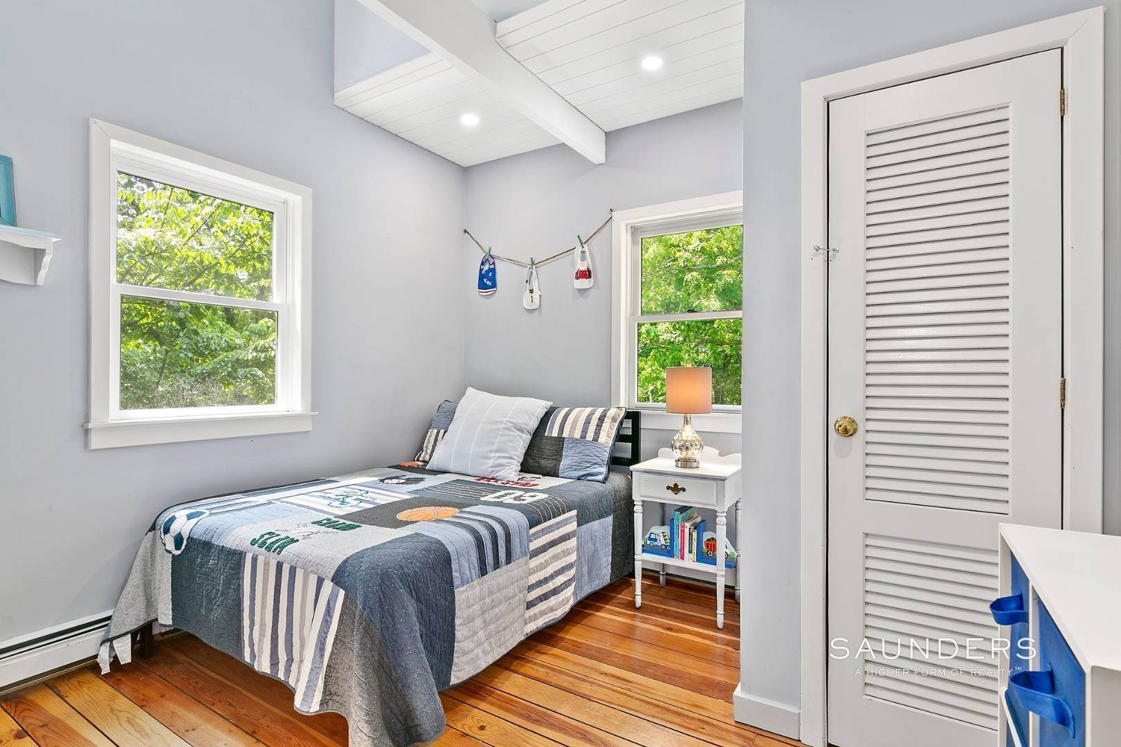 6. Single Family Homes for Sale at Post And Beam Beauty Southampton, Southampton Town, NY 11968