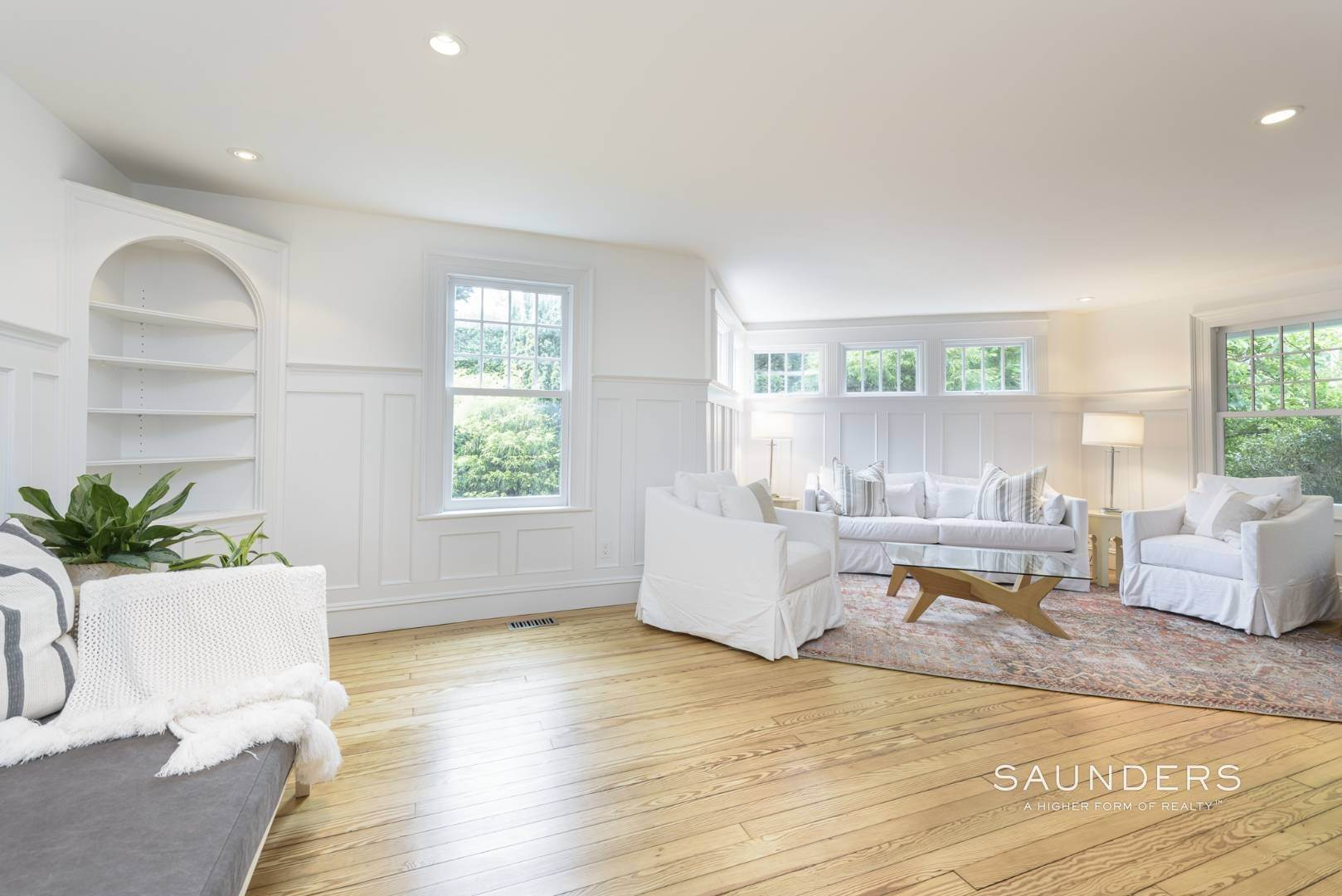 7. Single Family Homes at Classic Chic In East Hampton Village 104 Buell Lane, East Hampton, East Hampton Town, NY 11937