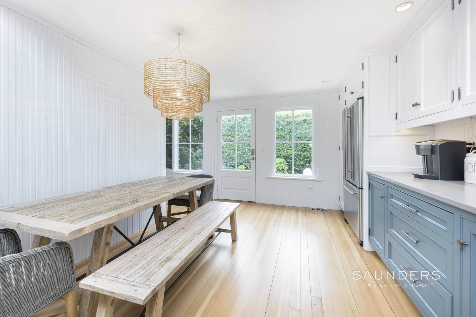 13. Single Family Homes at Classic Chic In East Hampton Village 104 Buell Lane, East Hampton, East Hampton Town, NY 11937