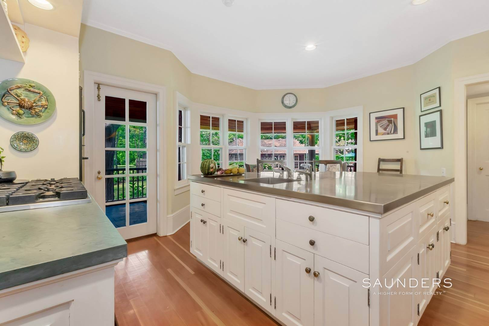 11. Single Family Homes for Sale at Classic Shelter Island Harborfront With Tennis And Pool 30 Little Ram Island Drive, Shelter Island Heights, Shelter Island, NY 11964