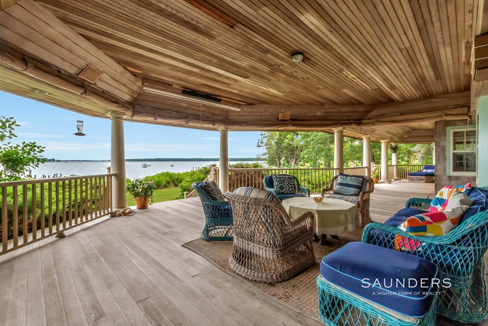 19. Single Family Homes for Sale at Classic Shelter Island Harborfront With Tennis And Pool 30 Little Ram Island Drive, Shelter Island Heights, Shelter Island, NY 11964