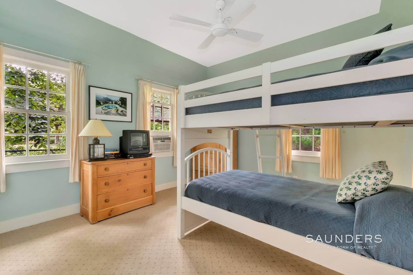 27. Single Family Homes for Sale at Classic Shelter Island Harborfront With Tennis And Pool 30 Little Ram Island Drive, Shelter Island Heights, Shelter Island, NY 11964