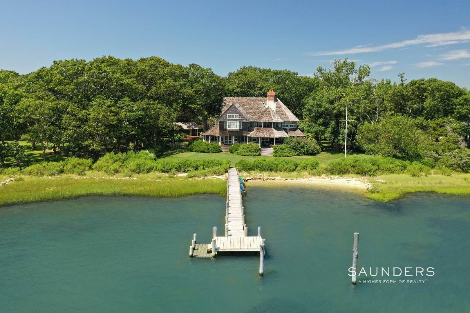 30. Single Family Homes for Sale at Classic Shelter Island Harborfront With Tennis And Pool 30 Little Ram Island Drive, Shelter Island Heights, Shelter Island, NY 11964