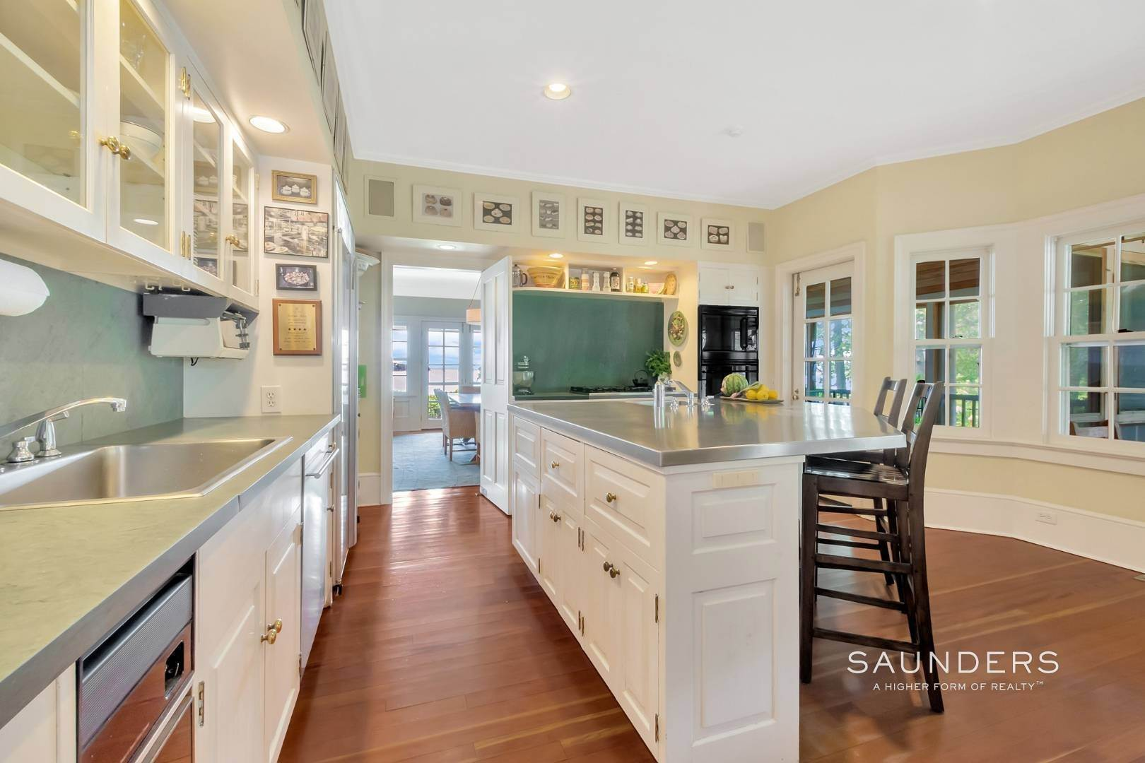 10. Single Family Homes for Sale at Classic Shelter Island Harborfront With Tennis And Pool 30 Little Ram Island Drive, Shelter Island Heights, Shelter Island, NY 11964