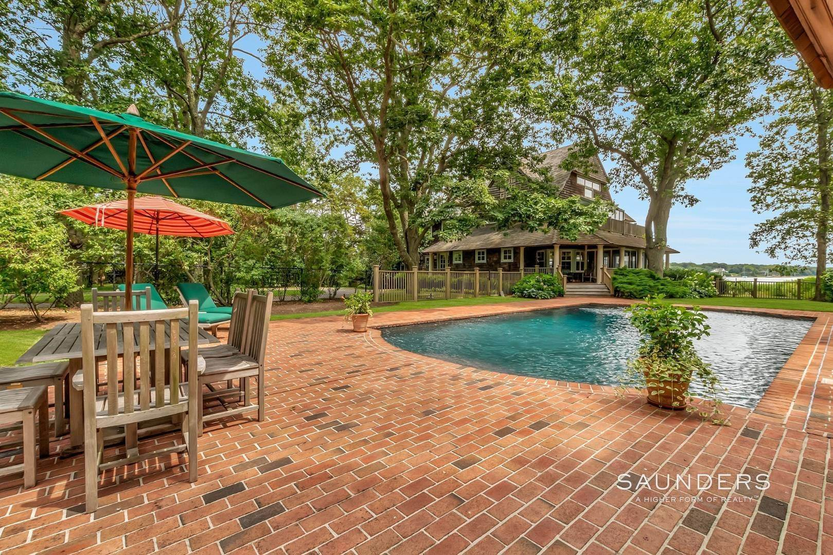 24. Single Family Homes for Sale at Classic Shelter Island Harborfront With Tennis And Pool 30 Little Ram Island Drive, Shelter Island Heights, Shelter Island, NY 11964