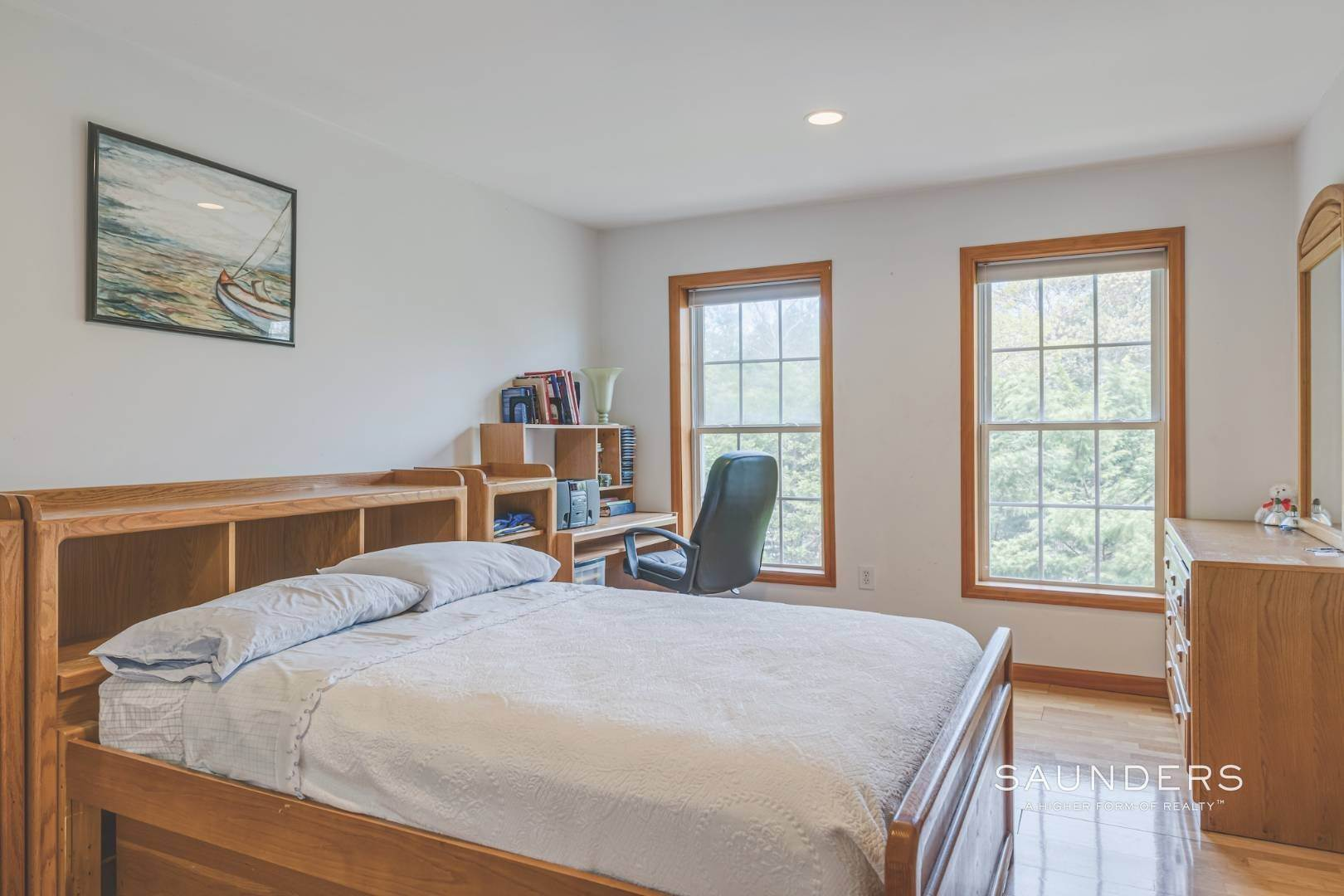 21. Single Family Homes for Sale at Pristine Traditional In Desirable Hampton Waters Community 81 Oyster Shores Road, East Hampton, East Hampton Town, NY 11937