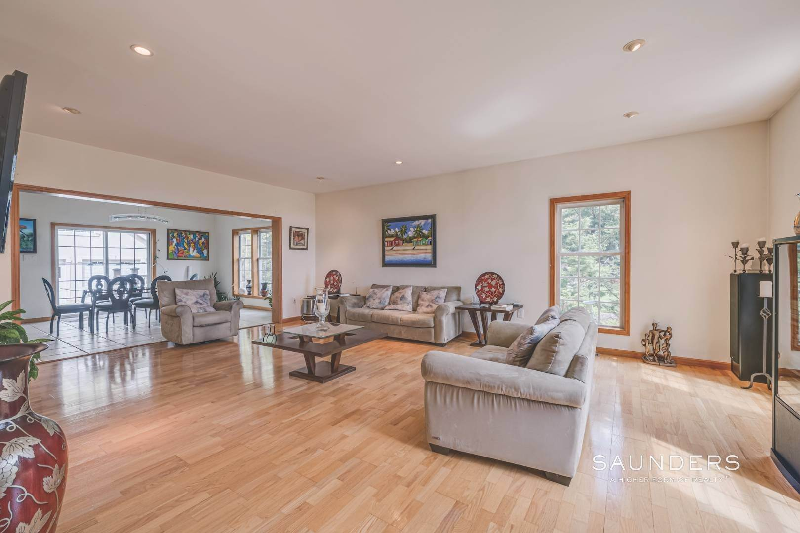 15. Single Family Homes for Sale at Pristine Traditional In Desirable Hampton Waters Community 81 Oyster Shores Road, East Hampton, East Hampton Town, NY 11937