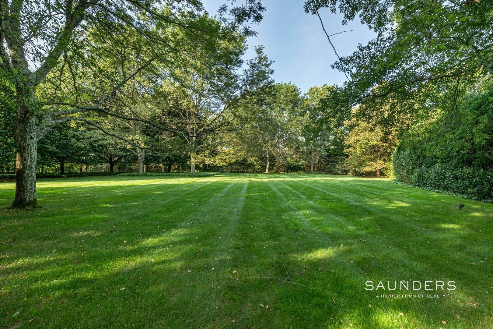 17. Single Family Homes for Sale at Secluded Bridgehampton Waterfront Estate 160 & 164 Trelawney Road, Bridgehampton, Southampton Town, NY 11932