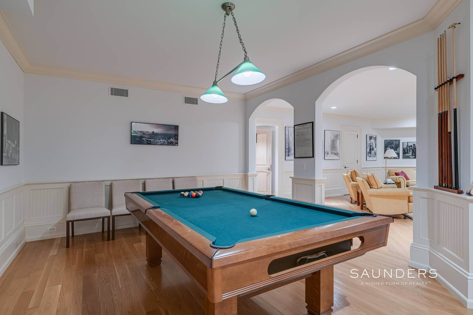 14. Single Family Homes for Sale at Secluded Bridgehampton Waterfront Estate 160 & 164 Trelawney Road, Bridgehampton, Southampton Town, NY 11932