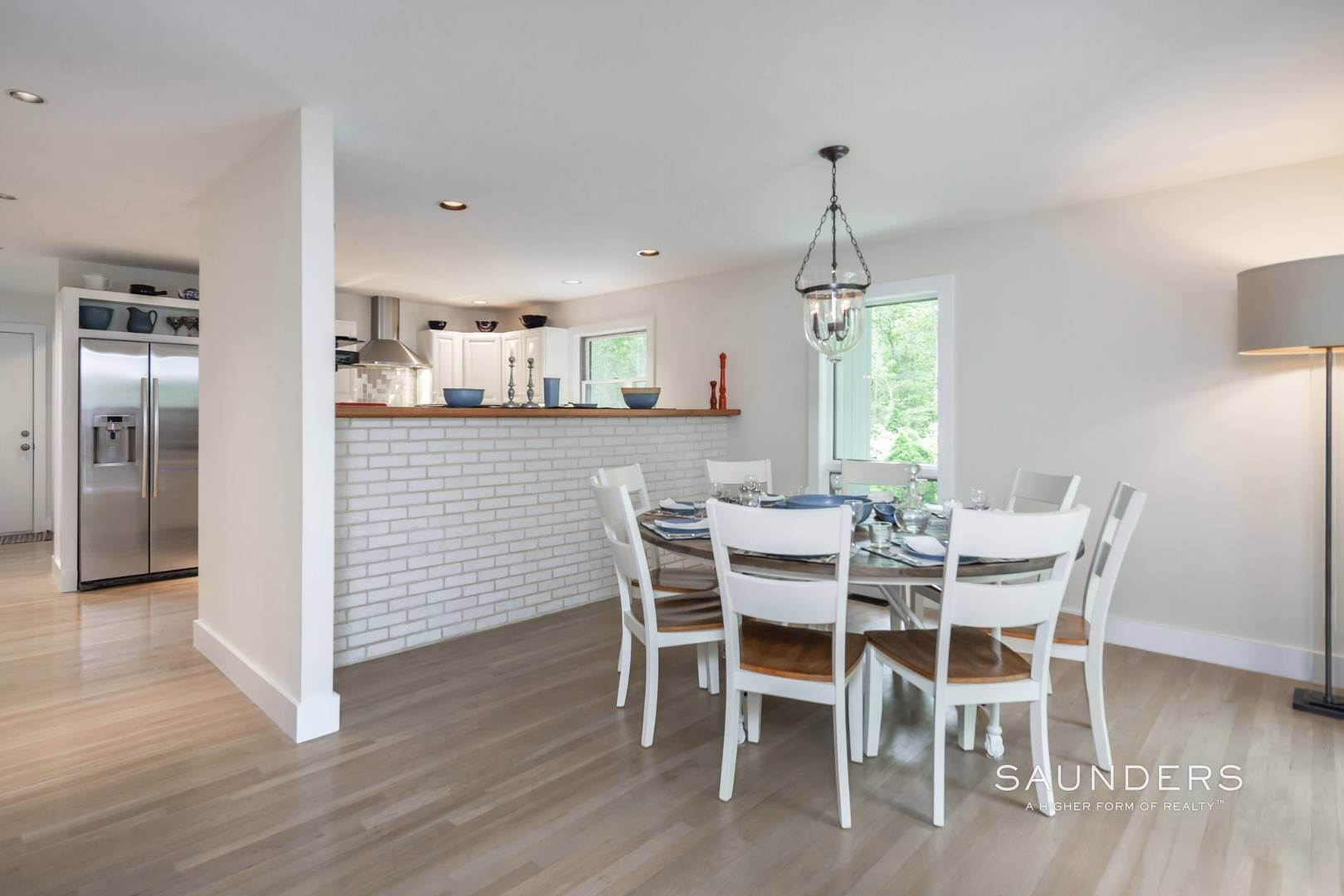 11. Single Family Homes at Immaculate Northwest Rental With Heated Pool And Hot Tub East Hampton, East Hampton Town, NY 11937