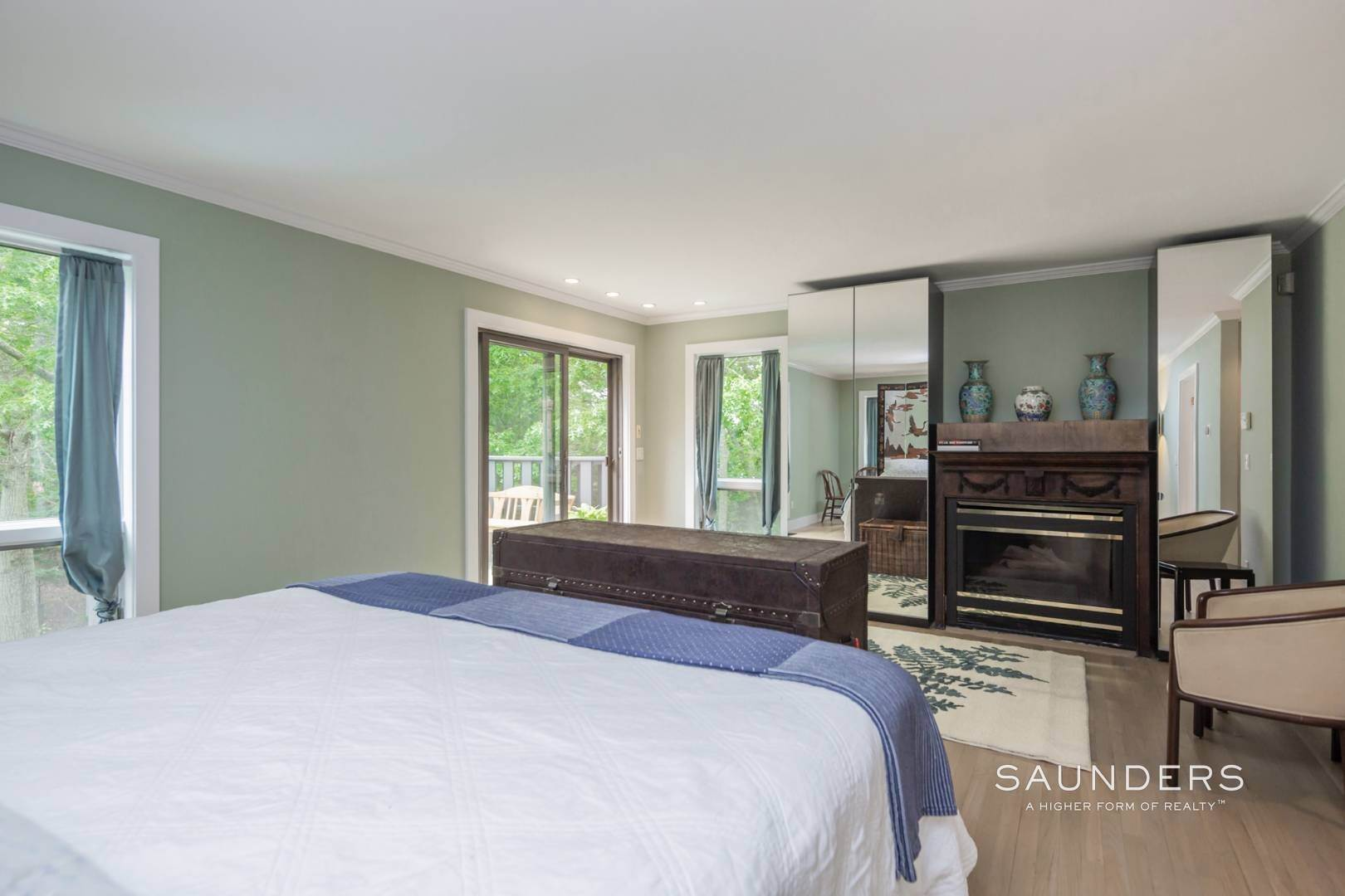 13. Single Family Homes at Immaculate Northwest Rental With Heated Pool And Hot Tub East Hampton, East Hampton Town, NY 11937