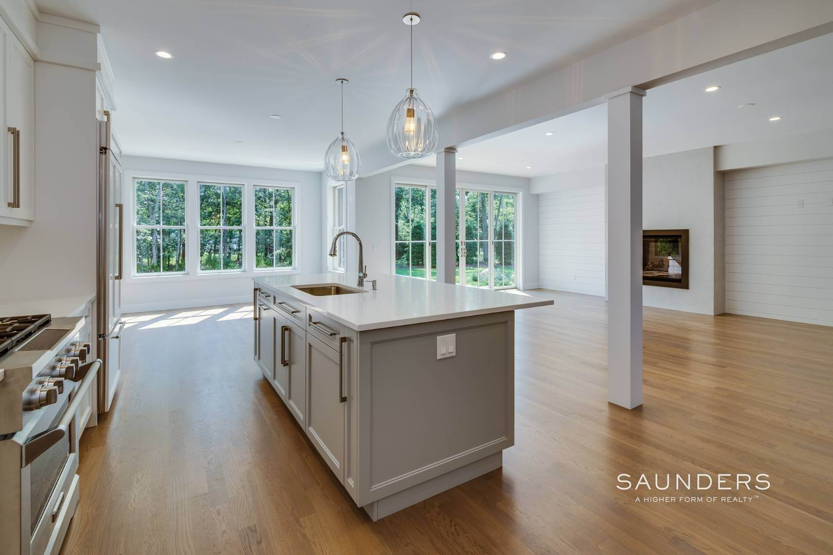 4. Single Family Homes for Sale at Brand New By Forst & Silverblank East Hampton, East Hampton Town, NY 11937