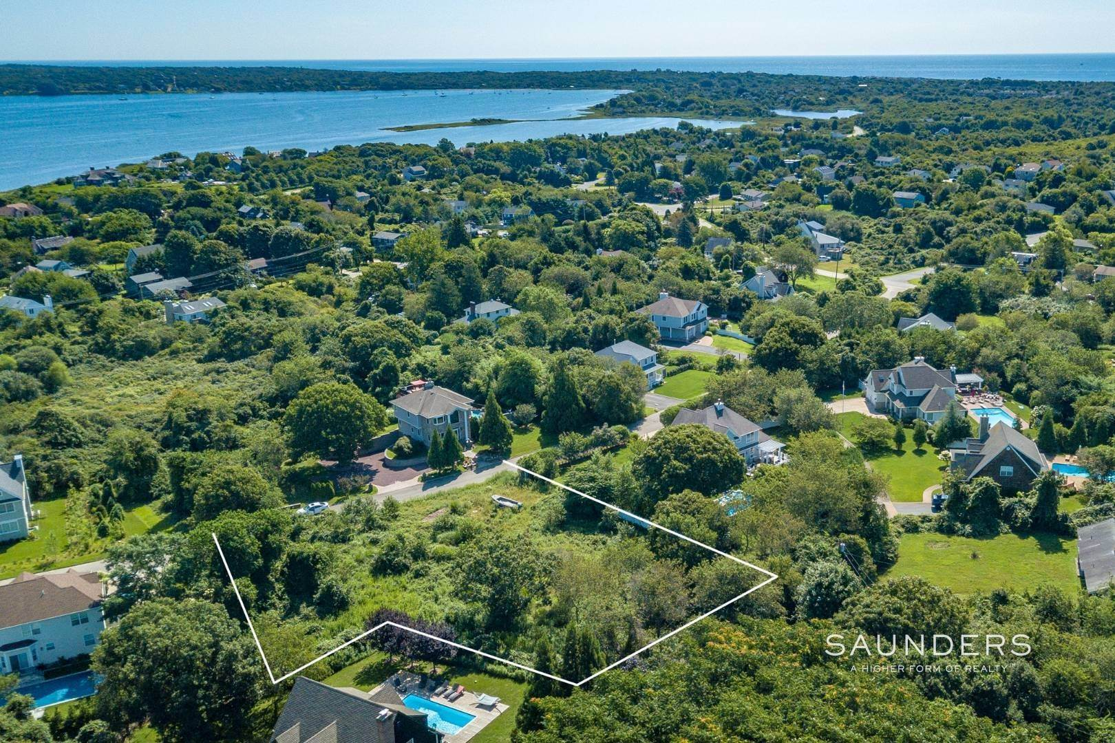 4. Land for Sale at Ready-To-Build Parcel Montauk, East Hampton Town, NY 11954