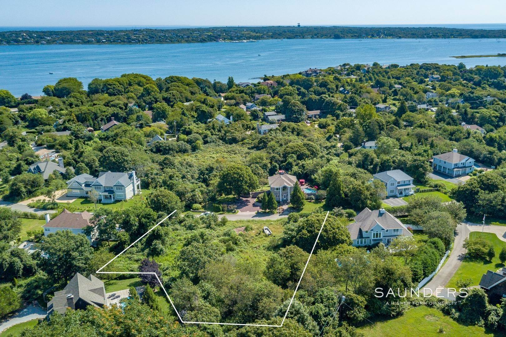 3. Land for Sale at Ready-To-Build Parcel Montauk, East Hampton Town, NY 11954