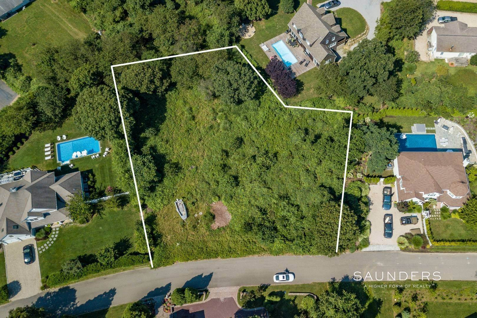 2. Land for Sale at Ready-To-Build Parcel Montauk, East Hampton Town, NY 11954