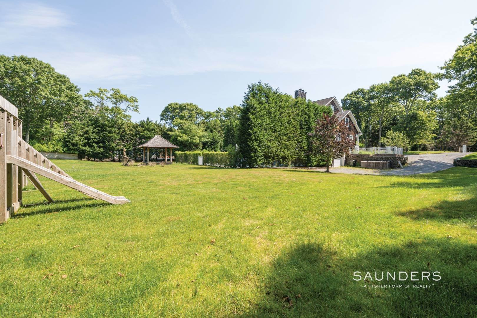 22. Single Family Homes for Sale at Gated Southampton Traditional On 2+ Acres 44 Ocean View Parkway, Southampton, Southampton Town, NY 11968